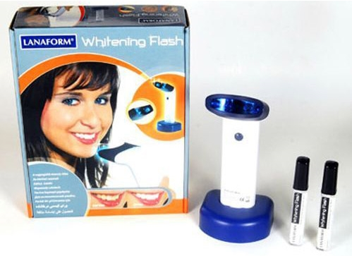 den-lam-trang-rang-lanaform-whitening-flash